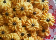Kue Kering Semprit Mawar Delicious Cake Recipes, Yummy Cakes, Biscuit Cookies, Cake Cookies, Dinner Recipes, Dessert Recipes, Desserts, Cokies Recipes, Eid Cake