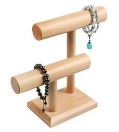 Bracelet display looks simply enough DIY ..