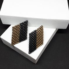Rhombus earrings studs geometric jewelry Minimal Earrings Gold black studs earrings  bijoux géométrique Black Stud Earrings, Circle Earrings, Round Earrings, Zipper Jewelry, Minimal Jewelry, Modern Jewelry, Geometric Jewelry, Minimalist Earrings, Unique Necklaces
