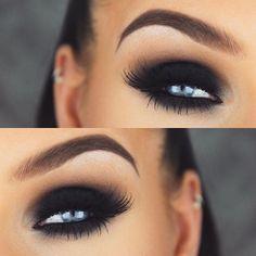 I love dark dark smokey eyes