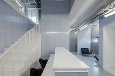 Adoff.Zurcatnas: Controlar Headquarters, Portugal