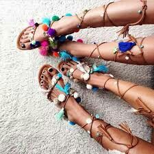 Cudne sandałki z ponponikami 😍👠😍