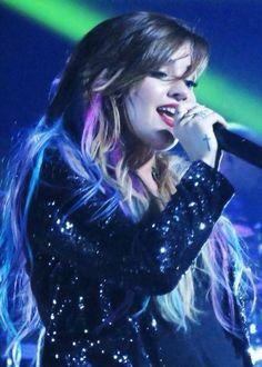#MTVHottest Demi Lovato pic.twitter.com/X0qOzfCHiB