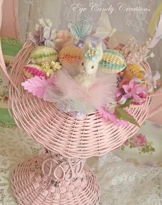 adorable vintage basket