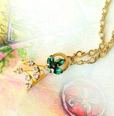 Star Art  Rhinestone Pendant Vintage Necklace Emerald Green Gold Filled