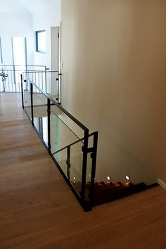 Choice for your horizontal interior railing wood, metal or stainless steel. Art stairs stairs maker of dreams. In image our horizontal railings Source by aescaliers Stairway Railing Ideas, Staircase Handrail, Modern Staircase, Staircase Design, Interior Railings, Interior Stairs, Escalier Design, Architectural House Plans, House Stairs