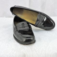 e4778427e4d Vintage black patent leather penny loafer size 8 M womens G.H. Bass Weejuns  handcrafted leather loafers SunnyBohoVintage