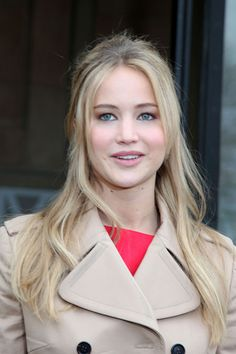 Jennifer Lawrence hair: LONG HAIRSTYLES – LONG STRAIGHT