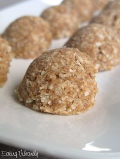 Raw date coconut macaroons