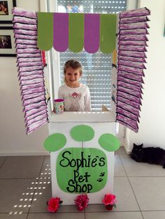 Littlest Pet Shop Birthday.                               Just two painted cardboard boxes makes some magic!
