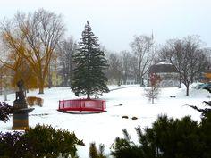 The town green across the Kismet inn in Bath, Maine, always looks beautiful regardless of the season ~