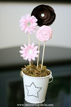 Tutorials for making hair clip flowers to display in a flower pot. Cute party favor/gift from Brooke at The Crafting Chicks