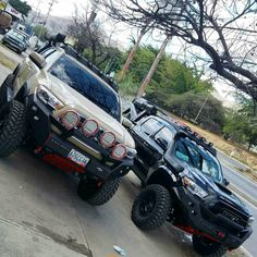 "1,161 curtidas, 11 comentários - @machito_s70 no Instagram: ""Monsters... #2016tacoma #toyota #toyota4wd #4runner #rustytrack #arb #warn #project #kit #lifting…"""