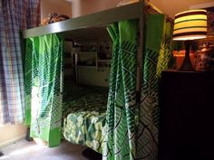 Bunk beds are great to save bedroom space with 2 or more person. If you want to build it, bookmark this collection of free DIY bunk bed plans. Ikea Bunk Bed, Safe Bunk Beds, Bunk Beds Built In, Bunk Beds With Stairs, Cool Bunk Beds, Kids Bunk Beds, Loft Beds, Sharing Bed, Stair Plan