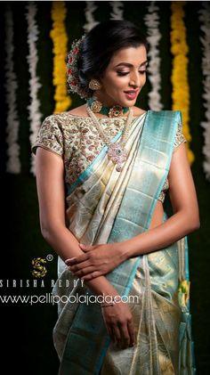 Saree Draping Styles, Saree Styles, Indian Silk Sarees, Pure Silk Sarees, Christian Bride, Embroidery Blouses, Silk Saree Kanchipuram, Saree Blouse Neck Designs, Wedding Silk Saree
