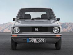 Evolution einer Ikone: Die Modellgeschichte der Golf-Generationen im Volkswagen Classic Magazin-Special Der Golf.