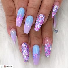 40 Fabulous Nail Designs That Are Totally in Season Right Now – clear nail art designs,almond nail art design, acrylic nail art, nail designs with glitter – nageldesign. Nail Design Glitter, Nail Design Spring, Cute Acrylic Nail Designs, Best Acrylic Nails, Glitter Ombre Nails, Clear Nails With Glitter, Ombre Nail Art, Summer Nail Designs, Unique Nail Designs