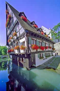 Hotel Schiefes Haus, Ulm Deutschland - Travel and Extra Great Places, Places To See, Beautiful World, Beautiful Places, Ulm Germany, As Monaco, Places To Travel, Travel Destinations, Beautiful Buildings