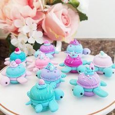 Macaron turtles are done I'll do individual shots for some of my favorites tomorrow . Restock is Saturday July @ EST Polymer Clay Turtle, Cute Polymer Clay, Cute Clay, Polymer Clay Creations, Polymer Clay Crafts, Bolo Tumblr, Cute Baking, Macaron Cookies, Macaroon Recipes