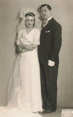 Vintage Wedding Photos, Vintage Weddings, Fashion History, Celebrity Weddings, Wedding Couples, Wedding Portraits, Wedding Gowns, Photoshoot, Retro