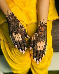 Pretty Henna Designs, Rose Mehndi Designs, Khafif Mehndi Design, Latest Henna Designs, Henna Art Designs, Mehndi Designs For Girls, Stylish Mehndi Designs, Mehndi Design Photos, Mehndi Designs For Fingers