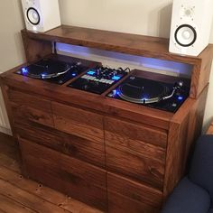 Designing the perfect custom-made DJ stand - AV Soul Design Studio Office, Recording Studio Design, Dj Equipment For Sale, Dj Stand, Dj Table, Dj Decks, Vinyl Record Storage, Vinyl Shelf, Music Studio Room