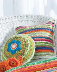 Patio Pillows in Bernat Handicrafter Cotton Solids. Discover more Patterns by Bernat at LoveKnitting. The world& largest range of knitting supplies - we stock patterns, yarn, needles and books from all of your favourite brands. Crochet Pillows, Crochet Cushion Cover, Crochet Pillow Pattern, Crochet Motifs, Easy Crochet Patterns, Pillow Patterns, Knitting Patterns, Crochet Home Decor, Crochet Crafts