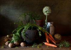 #Деревня #Картошка #Кринка #Лук #Морковь #Натюрморт #Овощи #Простые вещи #Чугунок Author: Eleonora Grigorjeva