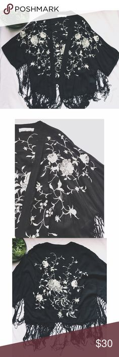 Abercrombie & Fitch Floral Embroidered Kimono ⇻◈Brand: Abercrombie & Fitch ⇻◈Size: ONESIZE ⇻◈Condition: Preowned, gently worn. No flaws!  ⇻◈SO SO SO SO beautiful black kimono with creme embroidered floral on the front and back. Super soft material.  ⇻◈Thank you for viewing! If you have any additional questions, please comment below! Abercrombie & Fitch Tops
