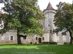 CHATEAU DANS LE LOT - PRAYSSAC   Dans un cadre préservé, très beau CHÂTEAU de village des XIVème et XVème siècles
