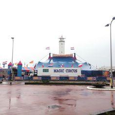 Een uniek plekje aan het begin van de Noordwijkse Boulevard voor het Magic Circus. Het is voor het eerst dat hier een circus staat, en wat voor circus!
