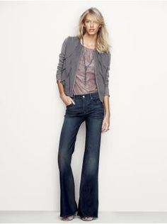Love this casual look.. I would wear a cardigan every day if I could.