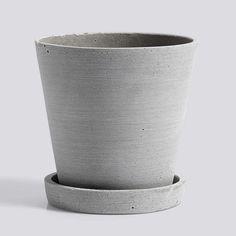 Hay blomsterpotte med fat grå medium Deco Furniture, Dear Santa, Danish Modern, Furniture Collection, Flower Pots, Planter Pots, Stone, Medium, Flower Vases
