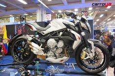 Las motos también tienen su espacio en #elsalóndelautomóvil conoce la propuesta de  #MVagusta