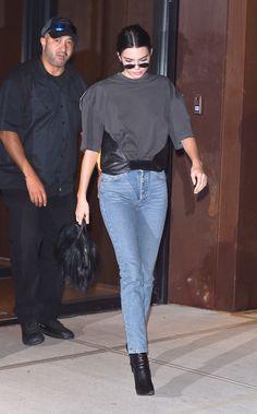 9/10/17: Kendall leaving Daniel's apartment in Manhattan. kendallkeek.com