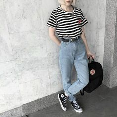 Como atualizar o look com mom jeans - Guita Moda Look 80s, Look Retro, 80s Fashion, Grunge Fashion, Fashion Outfits, Fashion Women, Fashion Ideas, Hipster Fashion, Fashion Black