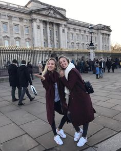 """407.5 k mentions J'aime, 4,532 commentaires - Lisa and Lena 