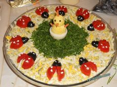 Decorate cold plates for Easter: 18 creative Id - Présentation des Plats Cute Food, Good Food, Food Garnishes, Food Decoration, Food Platters, Food Crafts, Food Humor, Easter Recipes, Easter Food