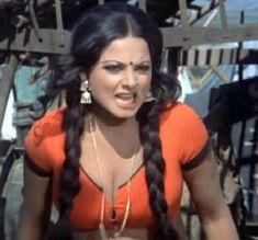Beautiful Girl In India, Gorgeous Women, Towel Girl, Actress Priyanka, Indian Bollywood Actress, Indian Attire, Bollywood Celebrities, Classic Beauty, Indian Beauty