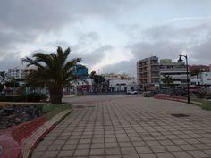 Desde las Islas Canarias  ..Fotografias  : Amaneciendo en el Paseo Marítimo de Puerto del Ros...