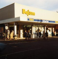 Bejam. Taken over by Tesco in 1989. I swear I went to this exact one in fincheley