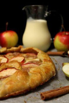 Kakkuviikarin vispailuja!: Omena-kaneli galette ja arvonnan voittaja