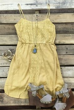 Cuuuute dress lace detail