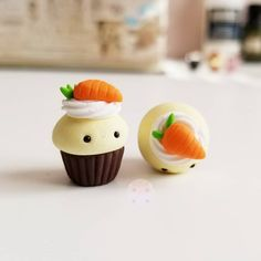 Polymer Clay Cupcake, Polymer Clay Kawaii, Polymer Clay Animals, Fimo Clay, Polymer Clay Charms, Polymer Clay Miniatures, Polymer Clay Creations, Kawaii Charms, Cute Clay