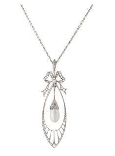 A petite Art-Nouveau diamond pearl pendant with necklace C. 1910/15. Probably platinum. Pendant with one pearshaped cultured pearl of fine lustre (probably add., c. 9,4 x 5,4 mm). Setting with 1 small old cut diam. (c. 0,03 ct.) and 46 rose cut diam. Necklace 14 ct. white/yellow gold added l. 38 cm, weight c. 4,5 g.