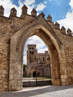 Arco del Compás del Monasterio de Santa María la Real de las Huelgas en Burgos  por Raúl Cuevas Pérez  http://www.flickr.com/photos/raulcuevasperez/