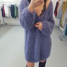 Dress sweater...yeah!!! #kirobykim #handmadeinrotterdam #chunkyknits #oversizedsweater #knitteddress