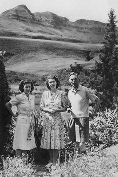 In Photos: Queen Elizabeth & Princess Margaret—Before the Throne - HarpersBAZAAR.com