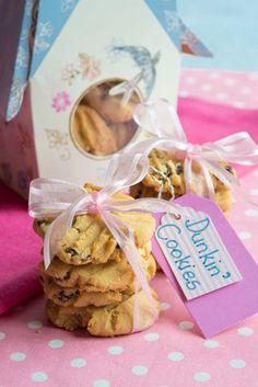 Dunkin' Cookies Yummy Treats, Biscuits, Gift Wrapping, Tasty, Favorite Recipes, Cookies, Baking, Gifts, Crack Crackers