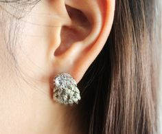 2-in-1 refined angel wing ear jacket by SkylaBoutique on Etsy  #wingearrings  #ringearjackets #earjackets
